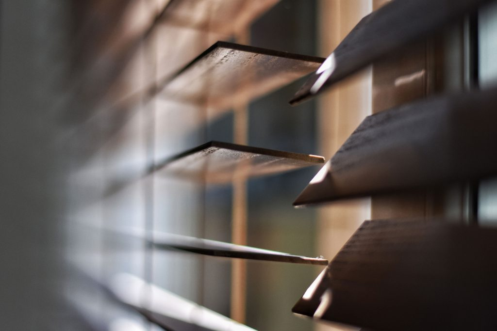 Blinds and Blinders: Open or Closed?